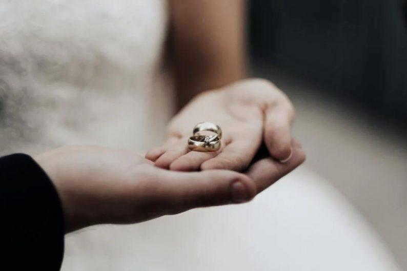 调查报告:超5成拒绝租房结婚,95后最难接受  第1张