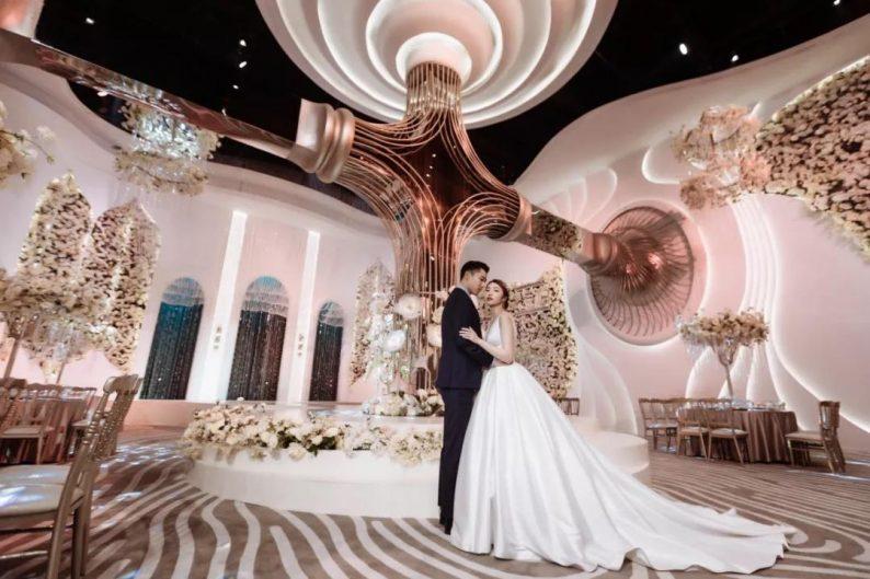婚礼堂发布:南京首家赖梓愈亲笔设计高端宴会中心  第2张