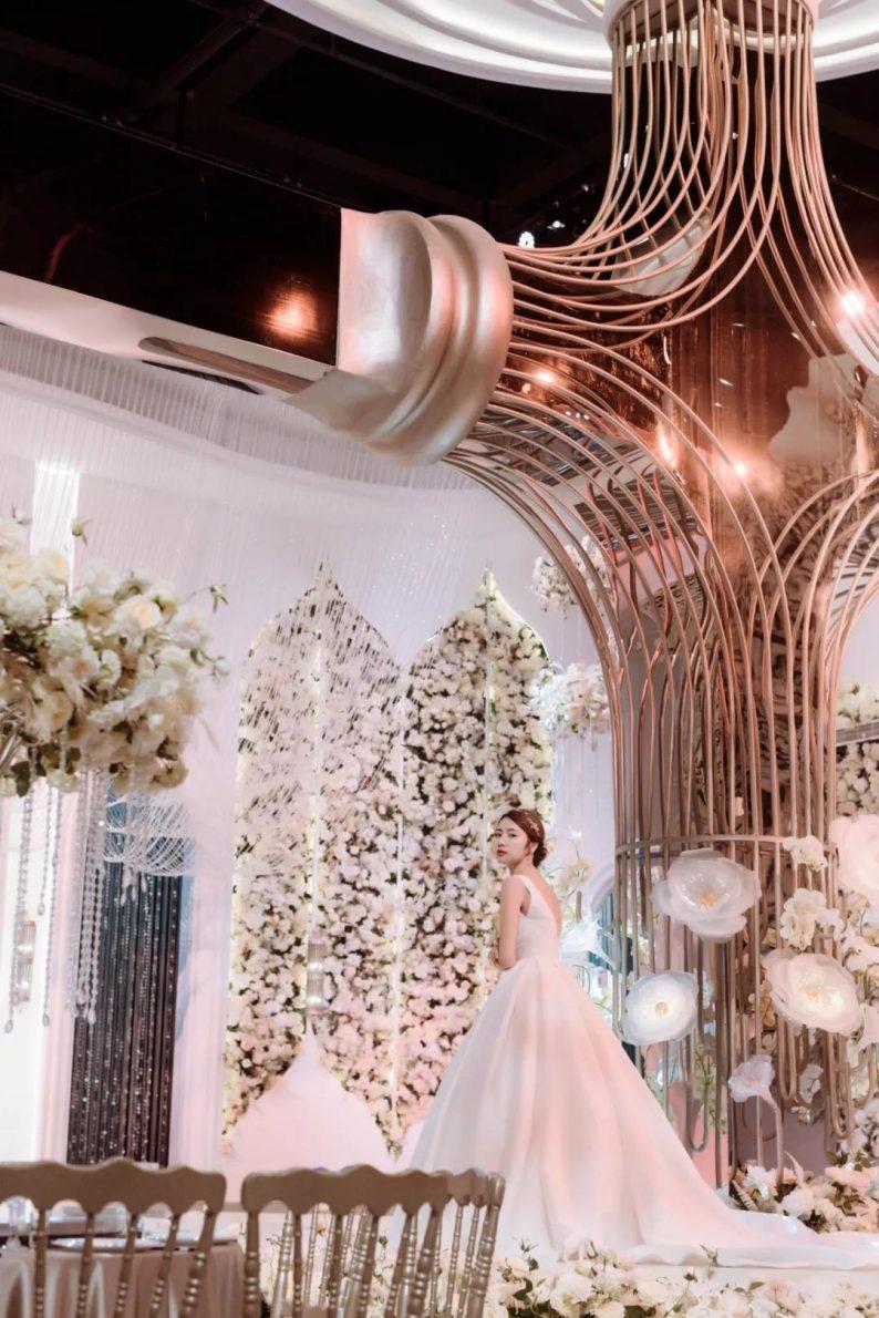 婚礼堂发布:南京首家赖梓愈亲笔设计高端宴会中心  第5张