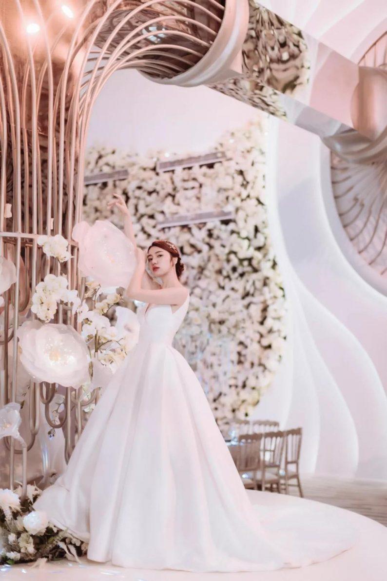 婚礼堂发布:南京首家赖梓愈亲笔设计高端宴会中心  第7张