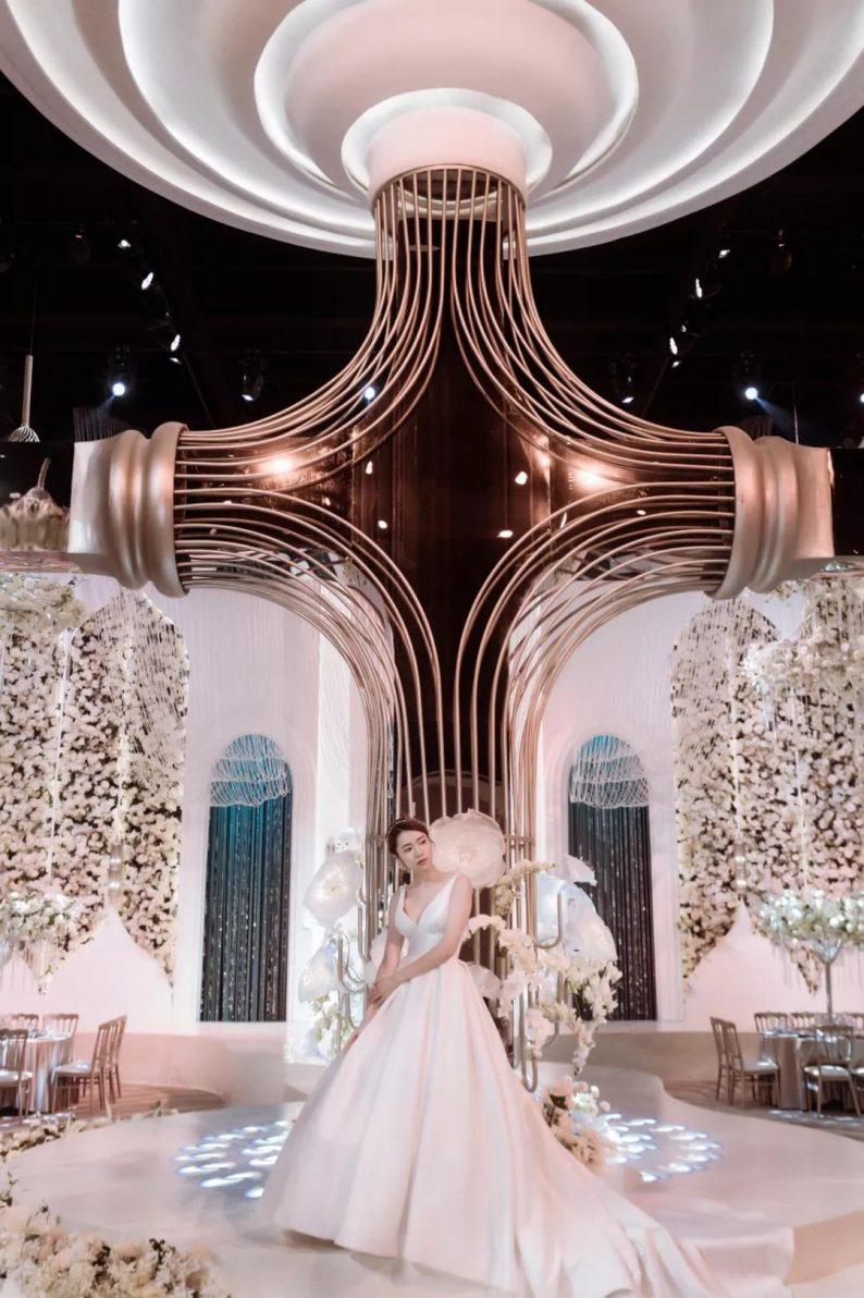 婚礼堂发布:南京首家赖梓愈亲笔设计高端宴会中心  第8张