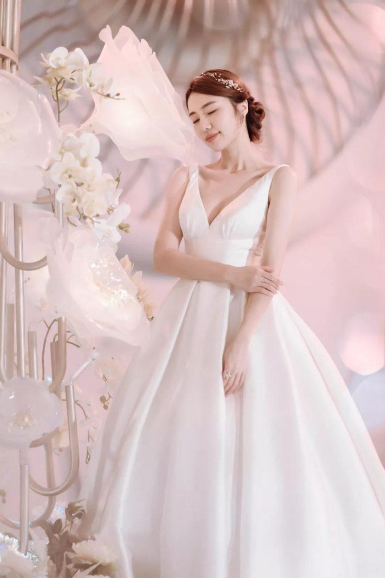 婚礼堂发布:南京首家赖梓愈亲笔设计高端宴会中心  第9张