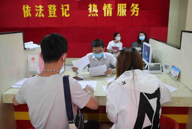 2020郑州结婚大数据:6万对新人结婚,4万对夫妻离婚