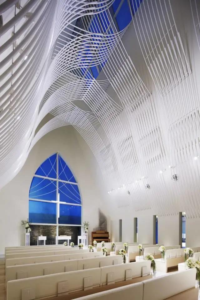 婚礼堂发布:日本St. Voile教堂设计解读  第3张