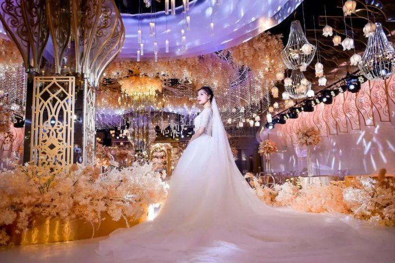 婚礼堂发布:5000平米、4大宴会厅!红绣球礼宴中心简介  第2张