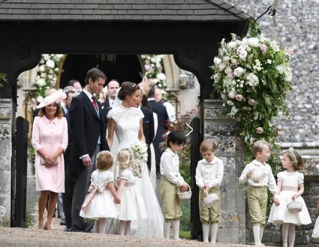 春天结婚季来临!参考这些名人的婚礼设计  第10张