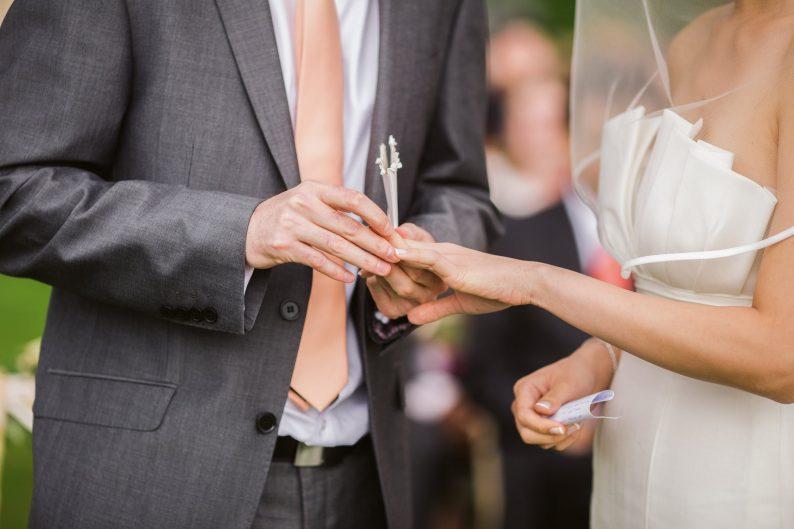 """初婚人数6年降幅达41%!中国""""千禧一代""""都在推迟结婚  第1张"""