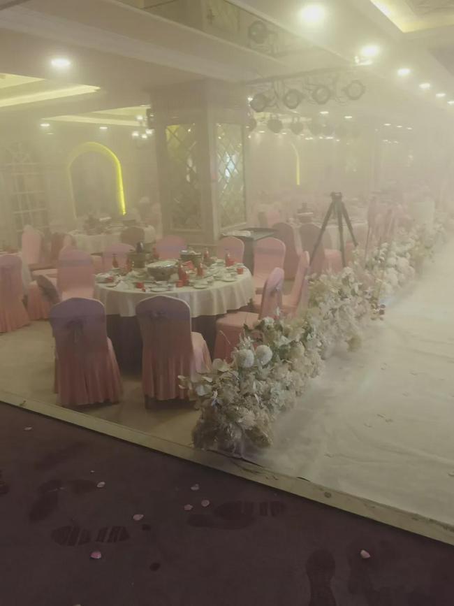 婚宴上突然起火!酒店方与婚庆说法不一  第1张