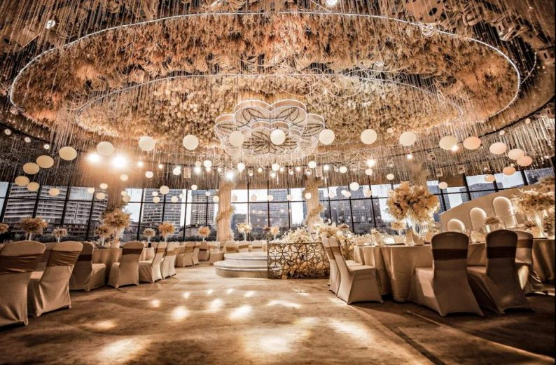 婚礼堂发布:南京独家270度落地透视环湖宴会厅  第4张