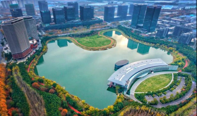 婚礼堂发布:南京独家270度落地透视环湖宴会厅  第8张