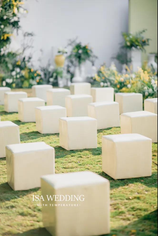 户外婚礼的灵魂,居然是椅子!  第2张