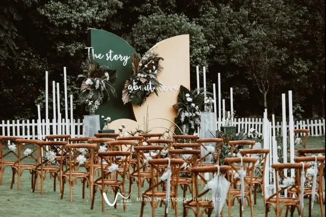 户外婚礼的灵魂,居然是椅子!  第8张