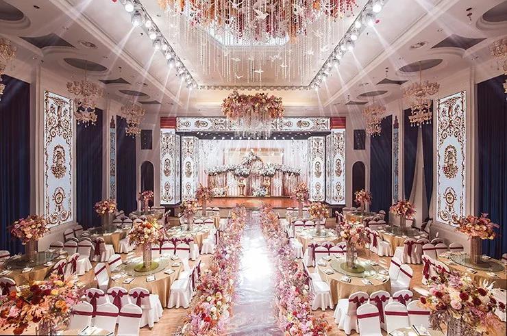 婚礼堂发布:老牌酒店重金打造,滁州一站式婚礼宴会中心