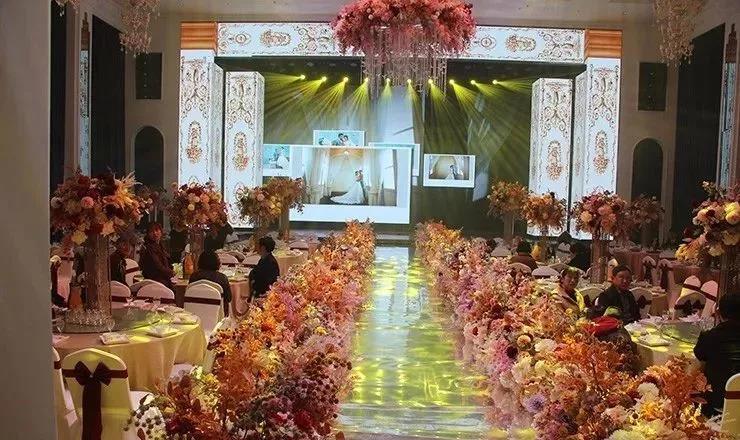 婚礼堂发布:老牌酒店重金打造,滁州一站式婚礼宴会中心  第6张
