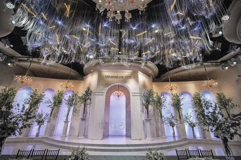 婚礼堂发布:层高8米穹顶设计,宿州一站式宴会酒店  第2张