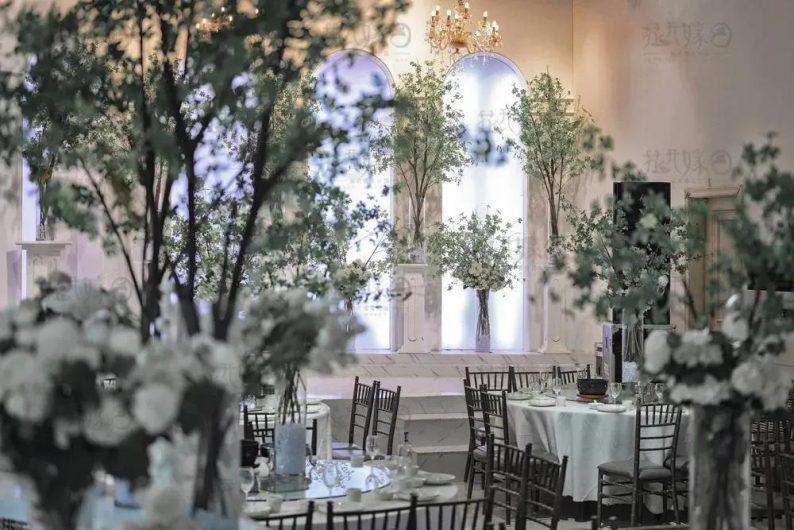 婚礼堂发布:层高8米穹顶设计,宿州一站式宴会酒店  第6张