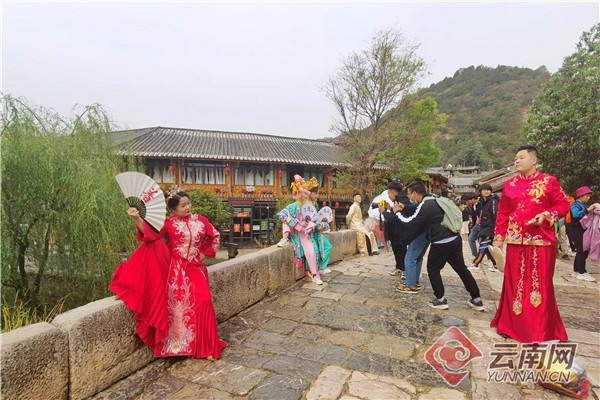 年产值10亿元!束河古镇成热门旅拍目的地  第2张