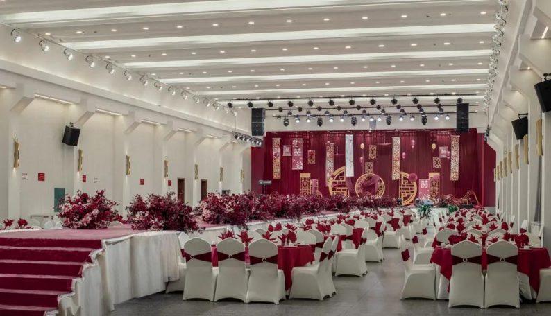婚礼堂发布:9300平!从破旧厂房到华丽宴会厅  第12张