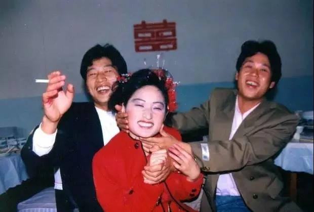 中国式低俗婚闹,到底在取悦谁?  第4张