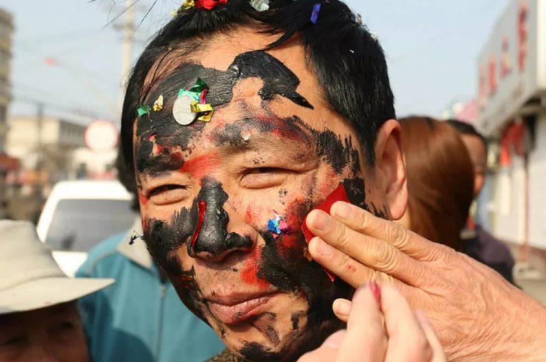 中国式低俗婚闹,到底在取悦谁?  第13张