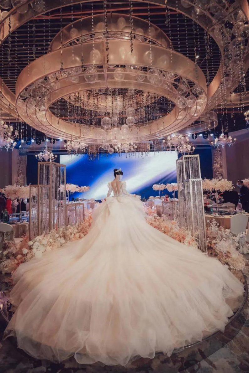 婚礼堂发布:耗资千万!武汉开元大酒店合禧宴会中心  第3张