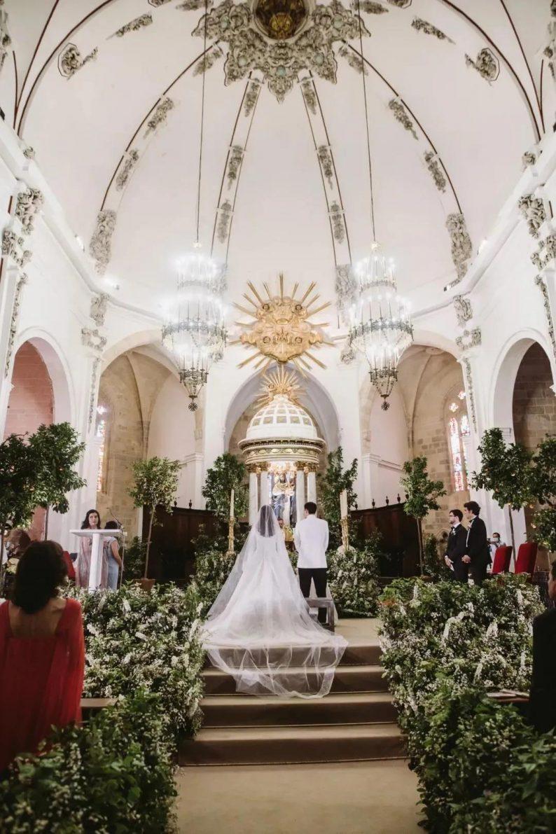 阵仗最大!Fendi继承人西班牙教堂大婚  第7张
