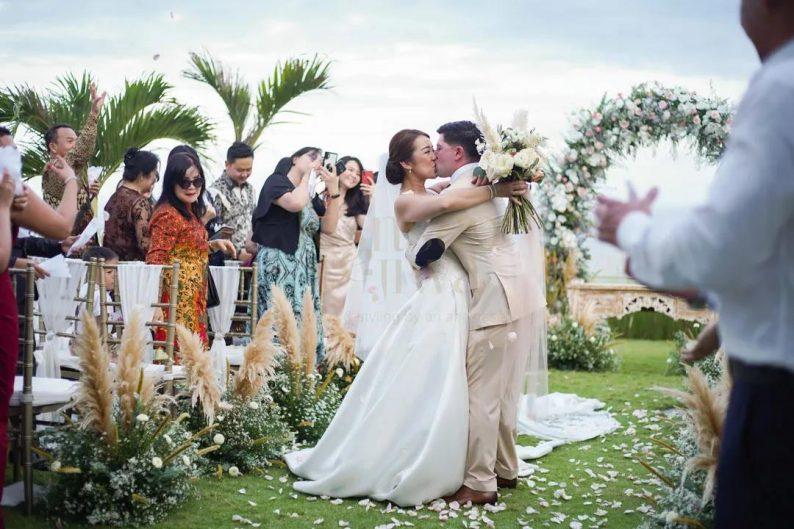 摄影行业发展报告:婚纱摄影仍是主流,颜值需求放大  第5张