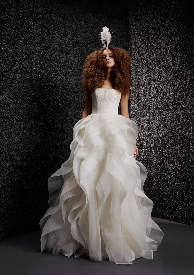 VERA WANG携手宝诺雅,发布首个婚纱系列!  第3张