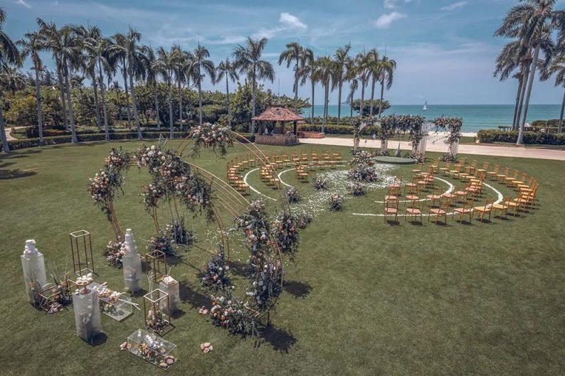 2021秋冬婚礼流行趋势:海岛婚礼热潮来袭!  第5张