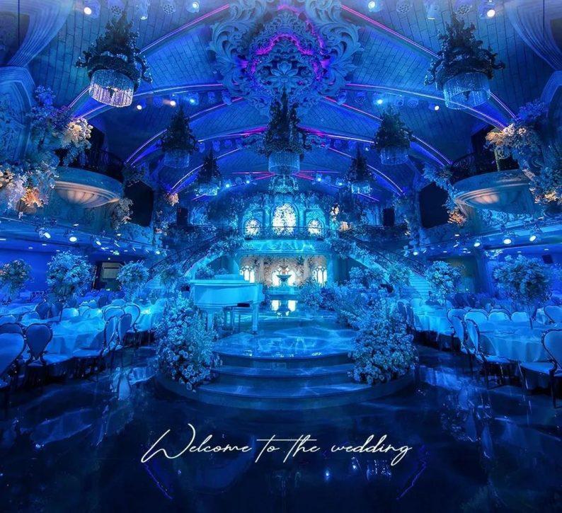 婚礼堂发布:高定婚礼堂!2万方东营海宴城惊现美人鱼表演  第1张