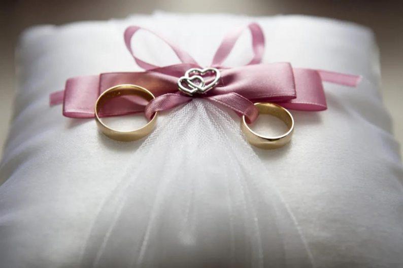 一场婚礼,为你服务的人赚多少钱?  第5张